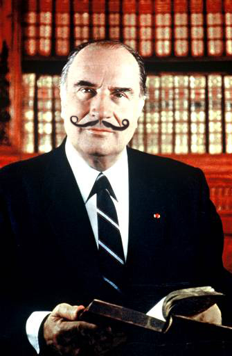 François Mitterand adopte le style de Salvador Dali. C'est fou !