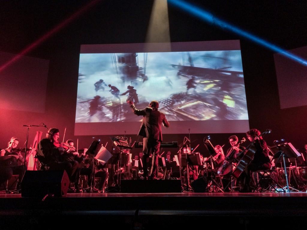 L'orchestre symphonique de Budapest interprétant le thème d'Assassin's Creed IV Black Flag